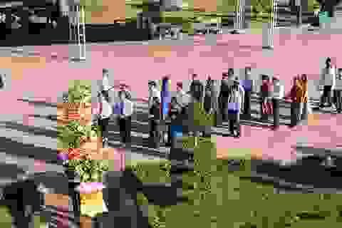 Lãnh đạo tỉnh Quảng Trị dâng hương, dâng hoa tri ân các anh hùng, liệt sĩ