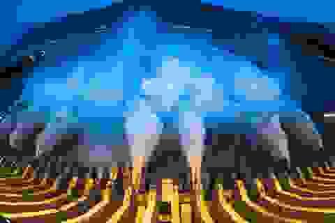 """Trung Quốc """"gồng mình"""" chờ đỉnh lũ thứ 3 trên sông Dương Tử"""
