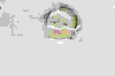 Bé 1 tuổi tổn thương não vì hóc chôm chôm