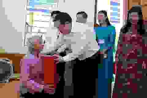 Bí thư Thành ủy Hà Nội Vương Đình Huệ tri ân người có công