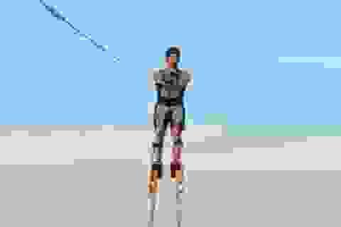 Lướt ván cực đỉnh trên cà kheo cao tới… 3,35m