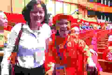 Người thân tự hào được đưa Bà mẹ Việt Nam anh hùng về Thủ đô