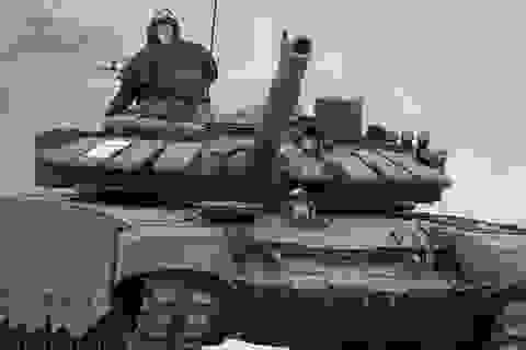 Video xe tăng T-72 Nga lặn xuống sông sâu 5 mét như tàu ngầm