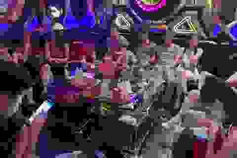 21 khách dương tính ma túy trong quán karaoke Hollywood