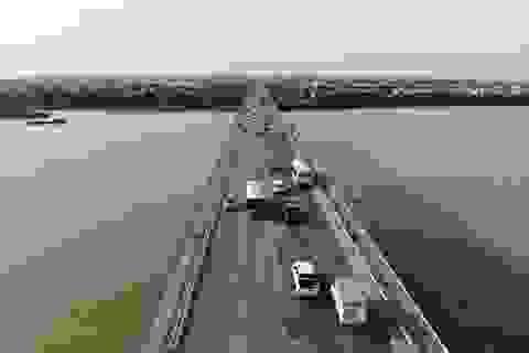 Hà Nội: Dùng vật liệu làm đường đua xe F1 để sửa chữa mặt cầu Thăng Long