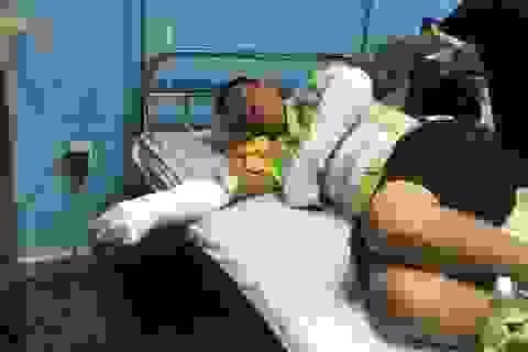 Vụ tai nạn 15 người chết: Xe đổ dốc nhanh, rung lắc rồi lao vào vách núi!