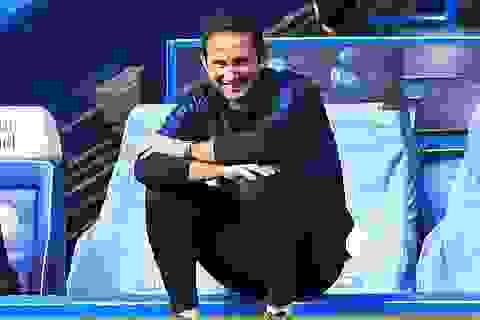 Huyền thoại Man Utd bất ngờ khen HLV Lampard giỏi hơn Solskjaer