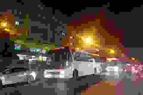 Nhân viên y tế Bệnh viện Đà Nẵng được đưa đi cách ly ở khách sạn