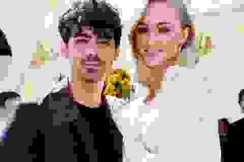 Những cặp đôi ngôi sao sinh con trong năm 2020