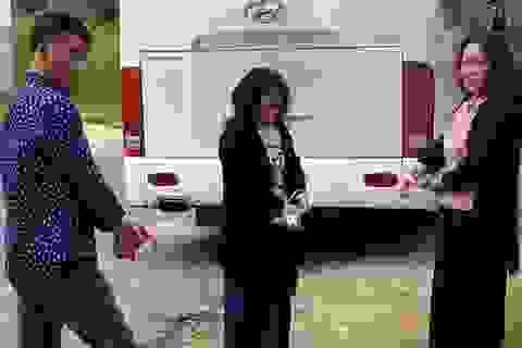 Chiêu thức móc túi của băng nhóm đi ô tô tại Đà Lạt
