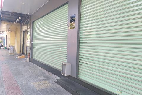 Một cửa hàng ở Đà Nẵng vẫn bán đồ ăn mang về, bất chấp lệnh cấm