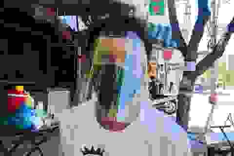 """Đà Nẵng: Ba người tình nguyện làm """"người vận chuyển"""" ở khu vực phong toả"""