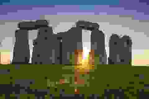 Tìm ra nguồn gốc đá xây dựng bãi đá cổ bí ẩn Stonehenge