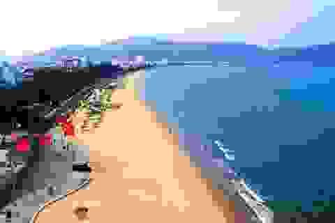 """Chấn chỉnh việc thu phí dịch vụ """"bất hợp lý"""" ở bãi biển Quy Nhơn"""