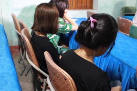 Giải cứu 4 bé gái từ 13 đến 16 tuổi bị dụ dỗ làm tiếp viên quán karaoke