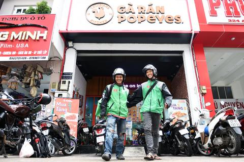 Nhà hàng, quán ăn nghĩ gì khi GoFood sẽ chuyển từ GoViet sang Gojek?