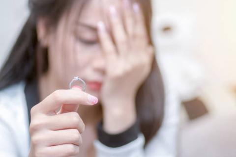 Cảm giác tồi tệ của người vợ 3 năm lừa dối chồng