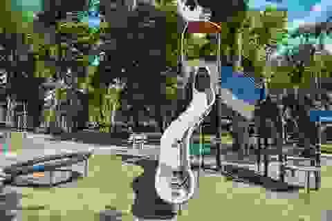 Những trò chơi cũ kỹ, xuống cấp trong Công viên Thống Nhất