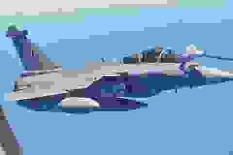 5 chiến cơ Rafale đầu tiên hạ cánh xuống Ấn Độ