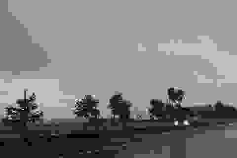 Bão số 2 cách đất liền hơn 450km, Hà Tĩnh bắt đầu mưa to