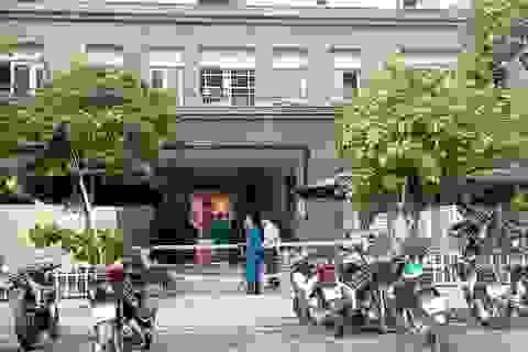 Phong toả chung cư 15 tầng có người nghi mắc Covid-19