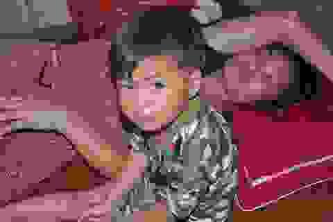 Xót xa cảnh người mẹ ung thư ôm con về nhà bố mẹ đẻ đúng ngày 29 Tết