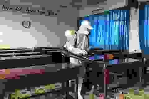 Trường học khử khuẩn mọi ngóc ngách chuẩn bị cho kỳ thi tốt nghiệp THPT