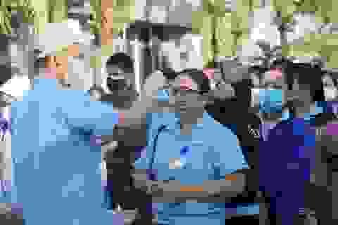 Giãn ca làm cho công nhân tại các khu công nghiệp có bệnh nhân mắc Covid-19