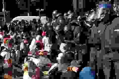 45 cảnh sát Đức bị thương trong biểu tình phản đối biện pháp chống Covid-19