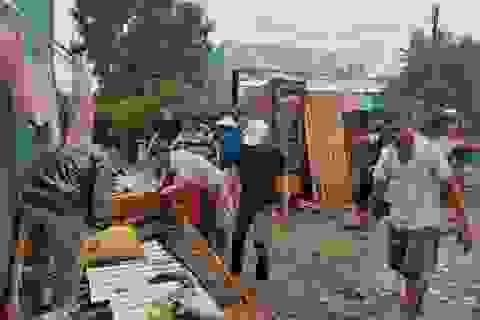 Hàng trăm gia đình miền Tây điêu đứng vì bão số 2