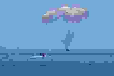 Cú đáp lịch sử đưa phi hành đoàn của NASA trở về Trái Đất an toàn