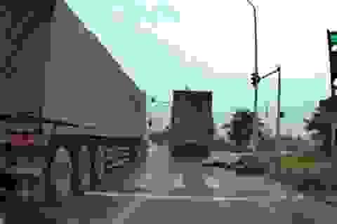Hà Nội: Xe container tông chết cô gái trẻ rồi bỏ chạy