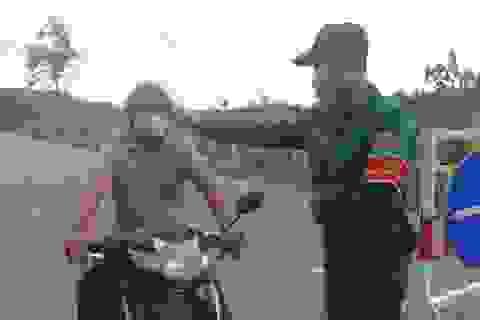 """Đà Nẵng: Thanh niên xung kích ra quân chống """"giặc"""" Covid-19"""