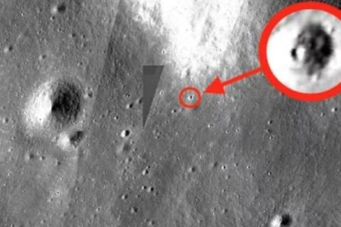 Phát hiện UFO khổng lồ trên Mặt trăng