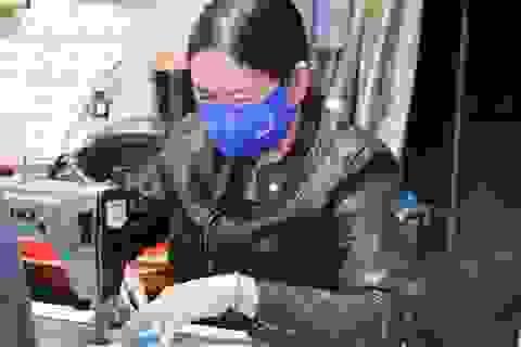 May 1 vạn khẩu trang tặng người khó khăn để phòng chống dịch