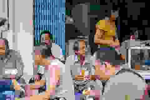 Hàng bánh mì Hà Nội từ thời bao cấp, bán 400 chiếc/ngày, giá chỉ 10 nghìn đồng