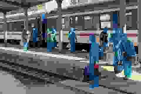 Gần 80 khách Trung Quốc nhập cảnh Việt Nam, đi tàu hỏa đến Quảng Ngãi