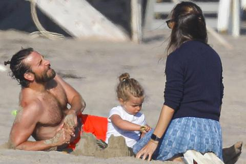 Dấy tin đồn Jennifer Garner và Bradley Cooper hẹn hò
