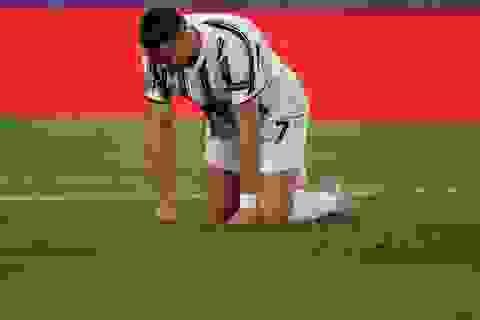 C.Ronaldo thất vọng cùng cực khi bị loại sớm ở Champions League