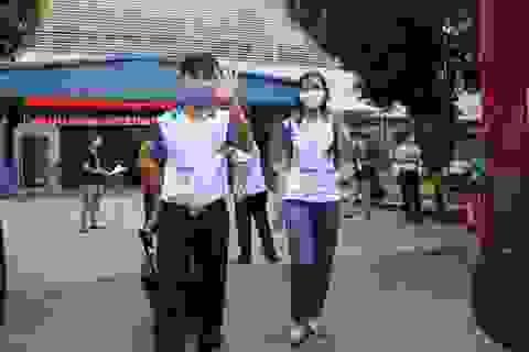 Giảng viên TPHCM cài Bluezone, lên đường về tỉnh giám sát thi tốt nghiệp