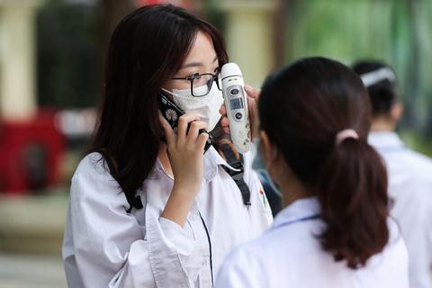 Chủ tịch TP Hà Nội đề nghị xét nghiệm lại PCR cho 3 thí sinh nếu cần