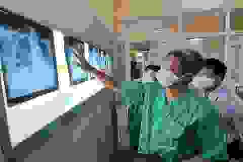 """Hai bệnh viện của Đà Nẵng """"căng mình"""" điều trị cho 12 ca mắc Covid-19 nặng"""