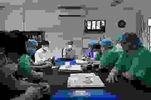 """Hai bệnh nhân Covid-19 """"rất nặng"""" ở Huế đã âm tính với SARS-CoV-2"""