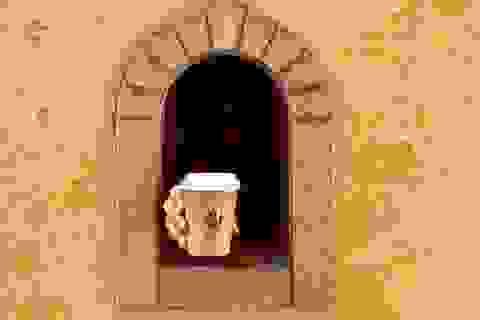 """Những cửa sổ nhỏ """"vừa bán hàng, vừa chống dịch"""" niên đại… 400 năm tuổi"""
