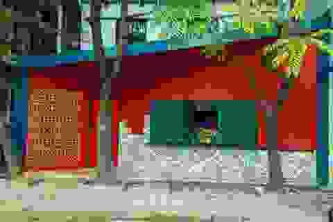 """Ngôi nhà hình hộp thư """"xanh vỏ đỏ lòng"""" đậm kiến trúc Việt xưa ở Hà Nội"""