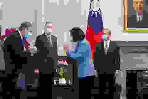 Máy bay Trung Quốc áp sát Đài Loan giữa chuyến thăm của Bộ trưởng Mỹ