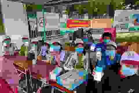 Vĩnh Long: Hỗ trợ 2.000 suất cơm cho thí sinh
