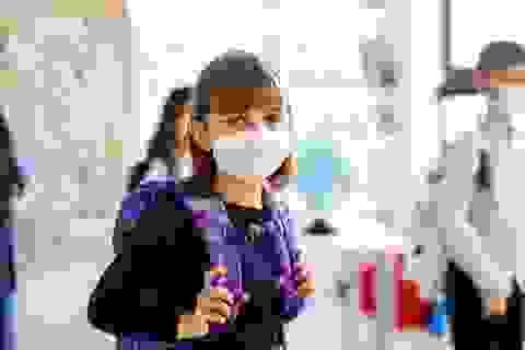 Hơn 97.000 trẻ ở Mỹ mắc Covid-19 chỉ trong 2 tuần