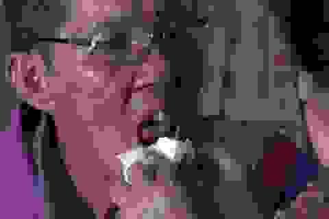 Xót xa cảnh chồng đau đớn vì ung thư phổi, vợ gồng mình gánh vác gia đình
