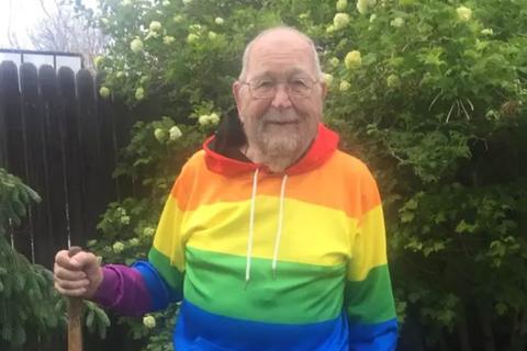 Cụ ông 90 tuổi công khai giới tính thật sau nhiều thập kỷ giữ bí mật